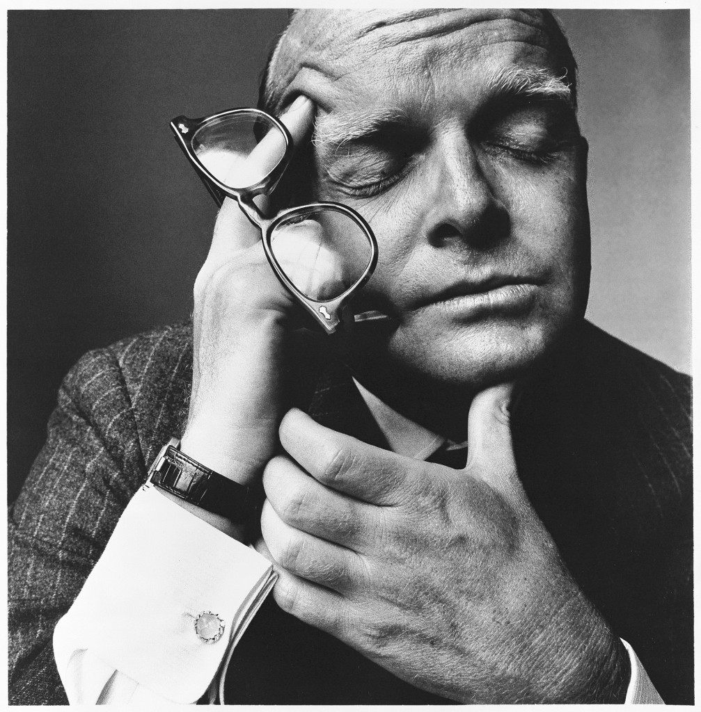 truman-capote-new-york-1965-by-irving-penn