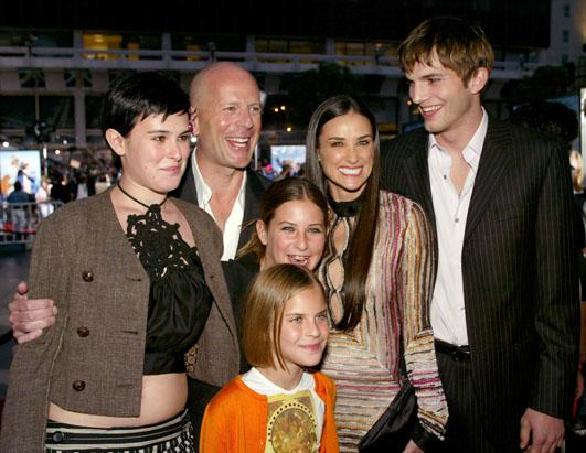 gty_demi_moore_ashton_kutcher_bruce_willis_family_ss_thg_121107_ssh